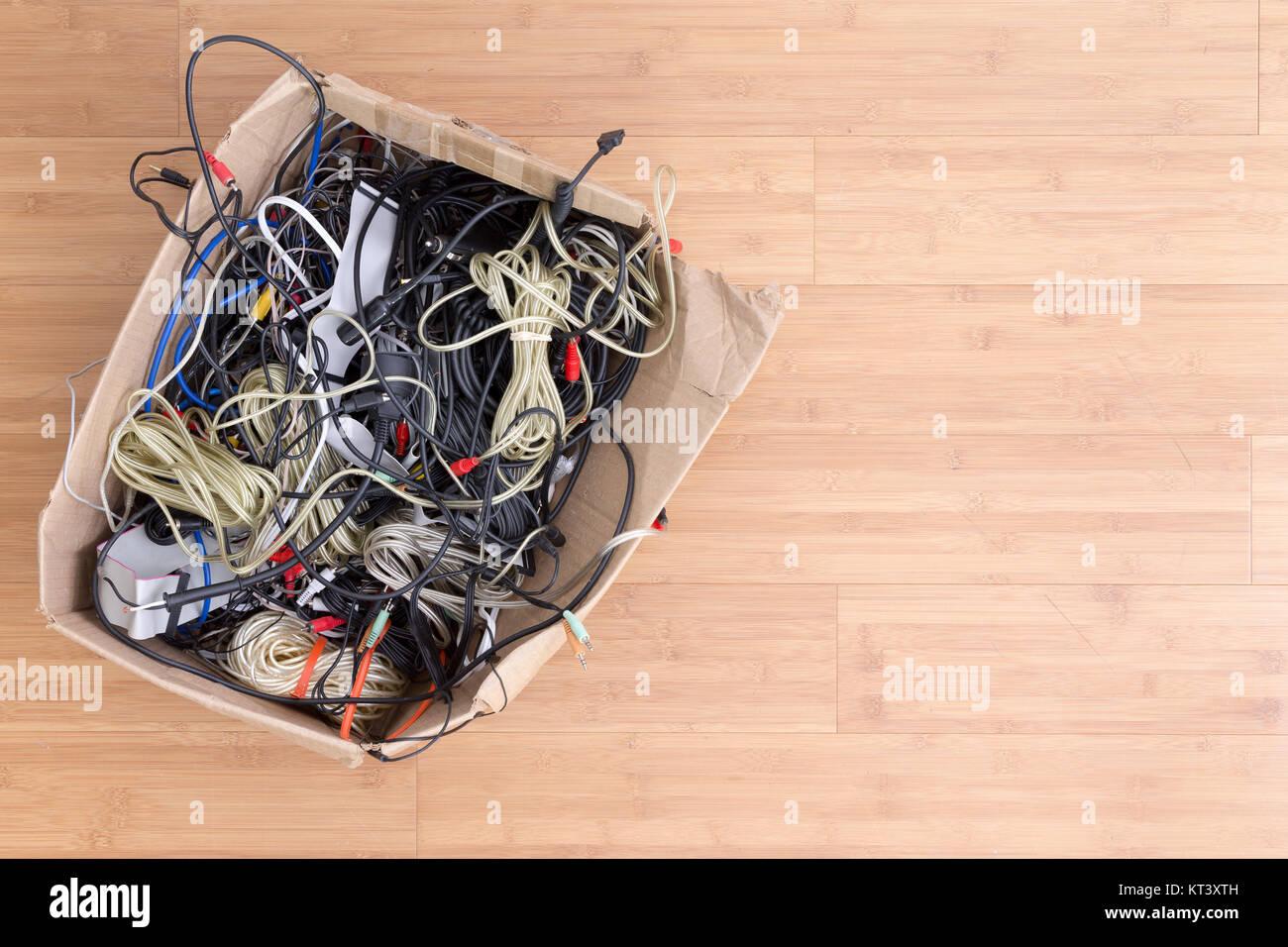 Ziemlich Elektrische Kabel Clipart Galerie - Elektrische Schaltplan ...