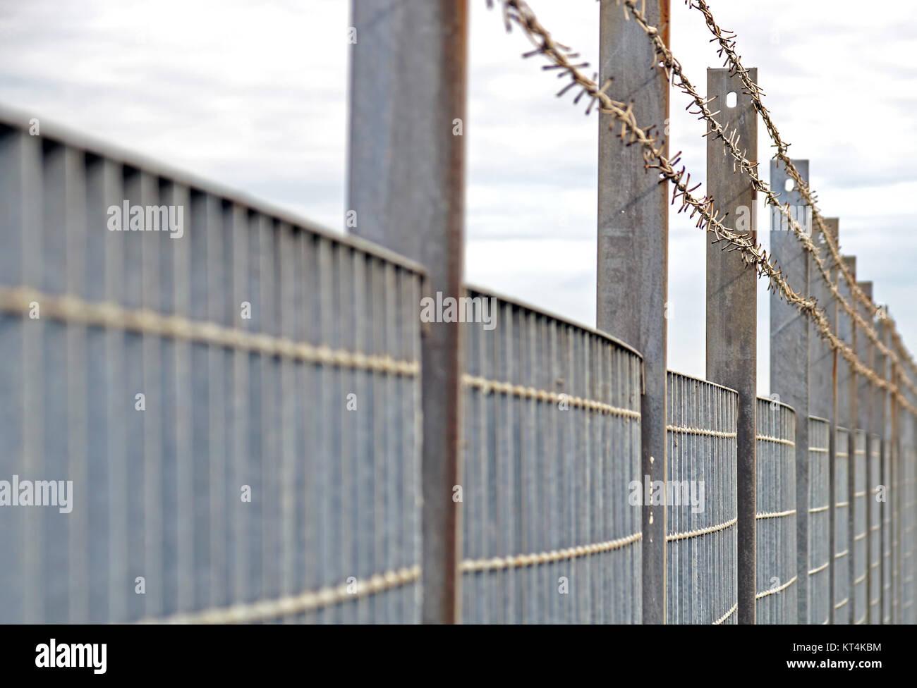 Stahl Anti Eintrag Zaun Mit Scharfen Spitzen Stockfoto Bild