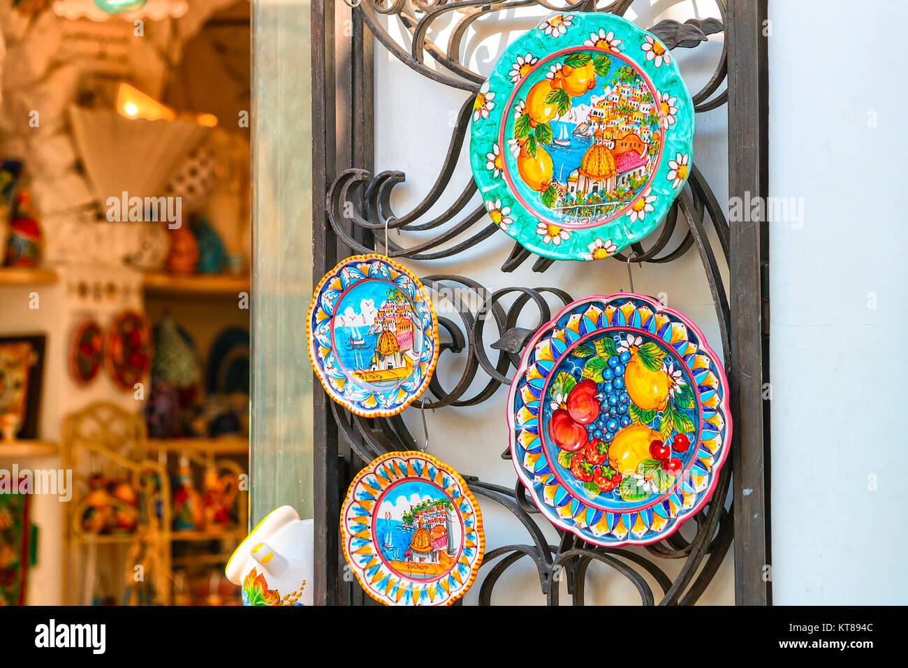 italy campania positano shop in stockfotos italy campania positano shop in bilder alamy. Black Bedroom Furniture Sets. Home Design Ideas