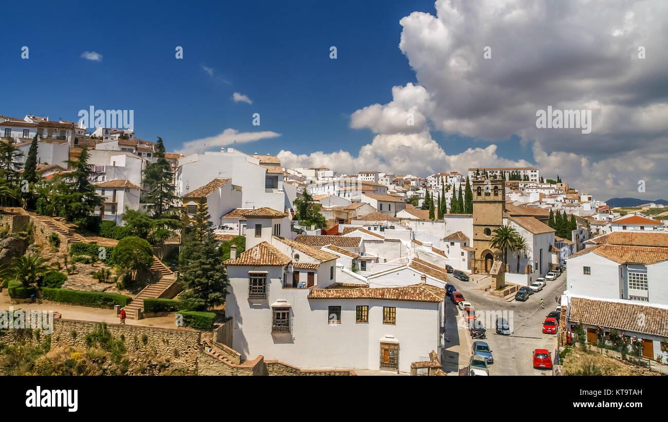Blick auf die Stadt Ronda von einem Balkon, Spanien Stockbild