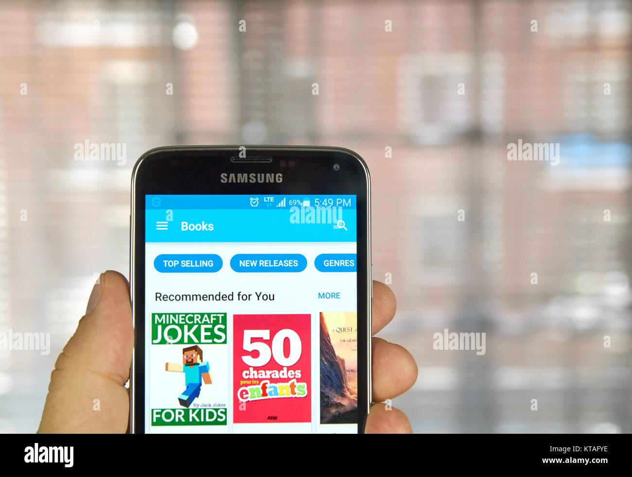 MONTREAL KANADA APRIL Google Spielen Bücher Auf Android - Minecraft spielen auf dem handy