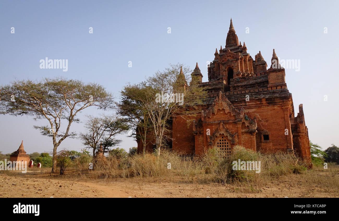 Alte buddhistische Tempel in Bagan, Myanmar. Die Bagan archäologische Zone ist ein Hauptfeld für das Land Stockbild