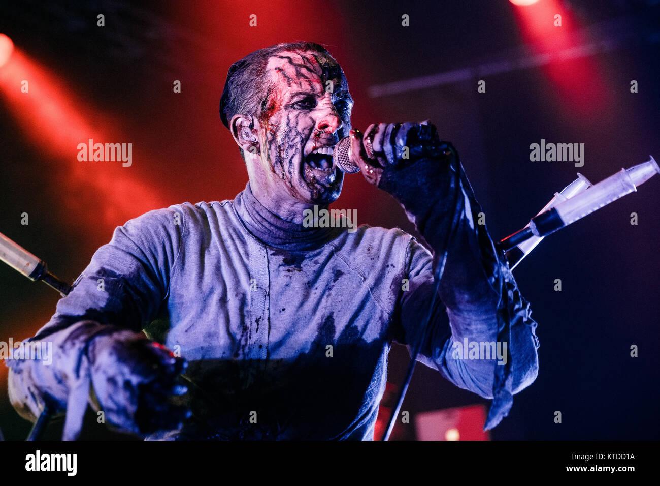 Der kanadischen Musik Gruppe Skinny Puppy führt ein Live Konzert in den Amager Bio in Kopenhagen. Hier Sänger Stockbild