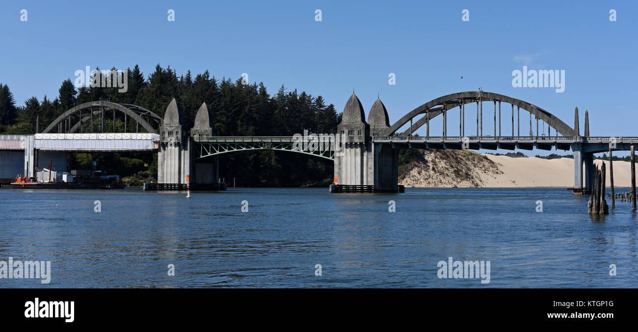 Die siuslaw River Bridge in Florence, Oregon, United States Stockbild