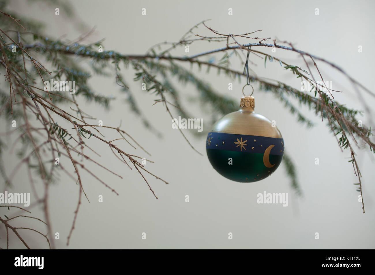 Weihnachtsbaum nadeln verlieren