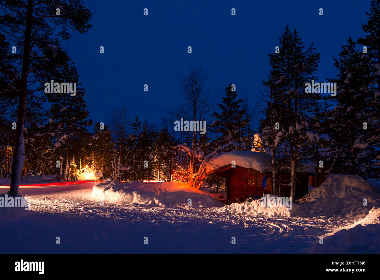 winter nacht auto camping im wald viel schnee. Black Bedroom Furniture Sets. Home Design Ideas