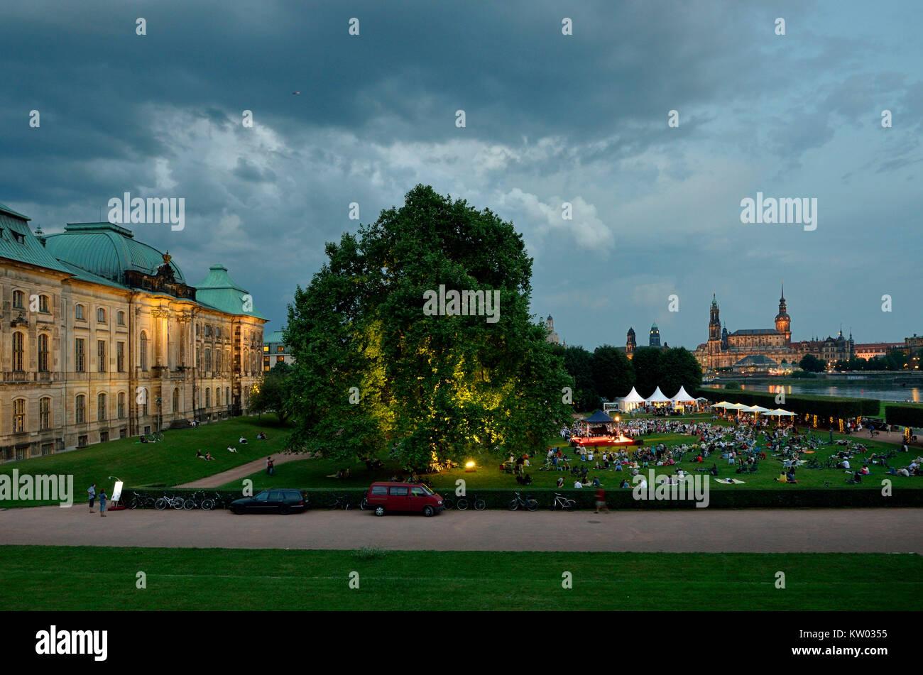 Dresden, Palace Sommer Konzert am Ufer des Königs, Palaissommerkonzert am Königsufer Stockbild