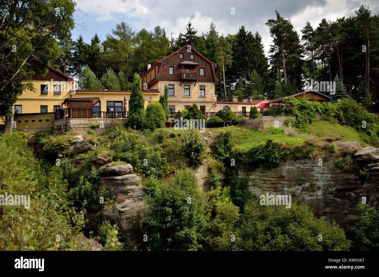 Elbsandsteingebirge, B?hmische Schweiz, Mountain Inn und Hotel auf Belved? ? R, Böhmische Schweiz, das Berggasthaus Stockbild
