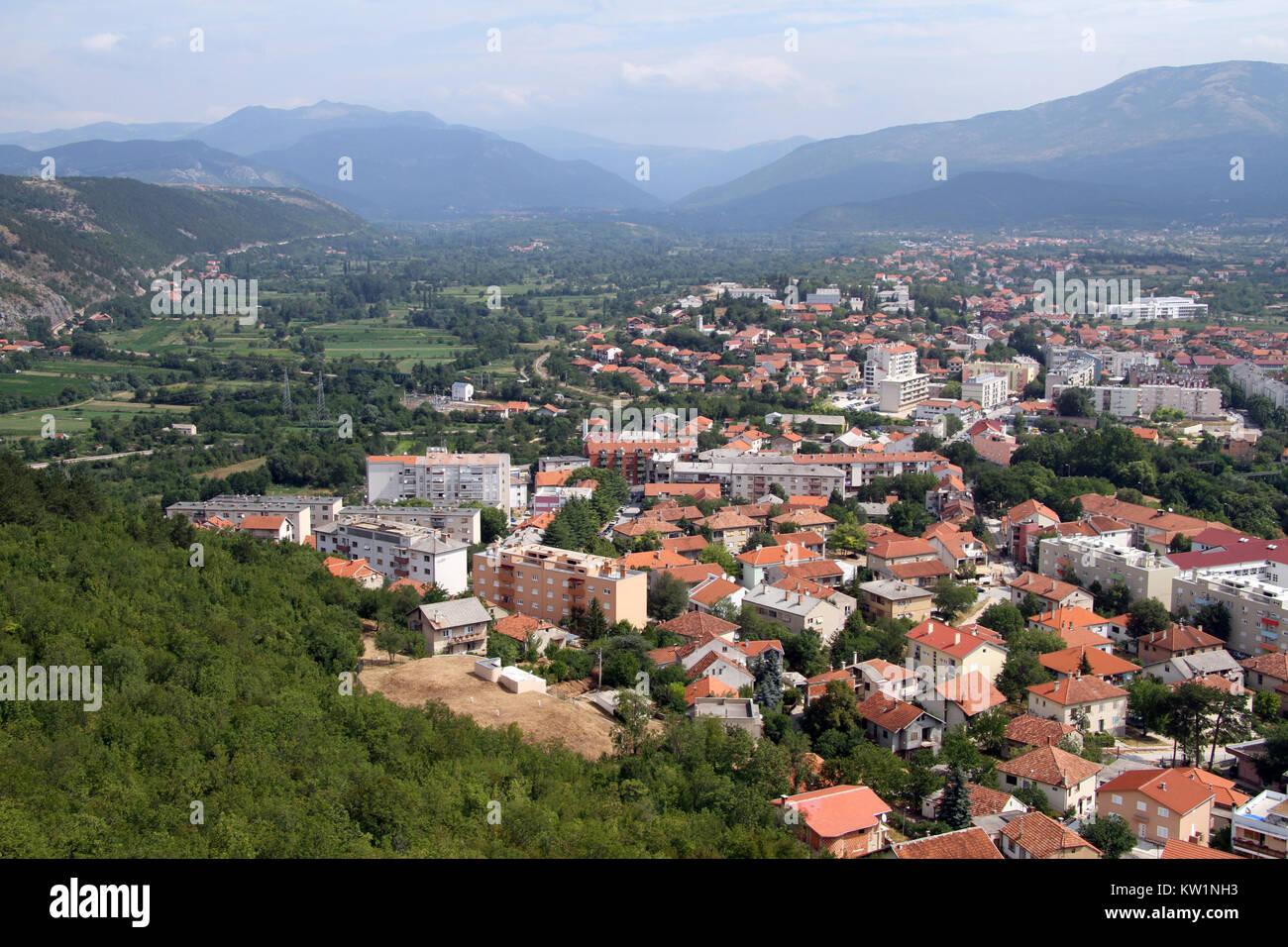 Blick von der Festung auf die Stadt Knin, Kroatien Stockbild