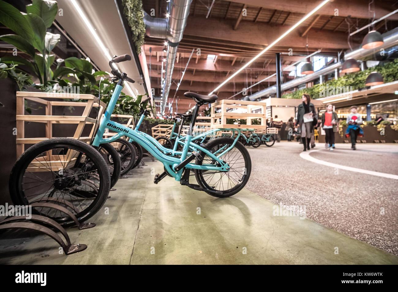 Fahrräder Shopping Carts Moderne Italienische Küche Superstore Fico Eataly  Welt Bologna