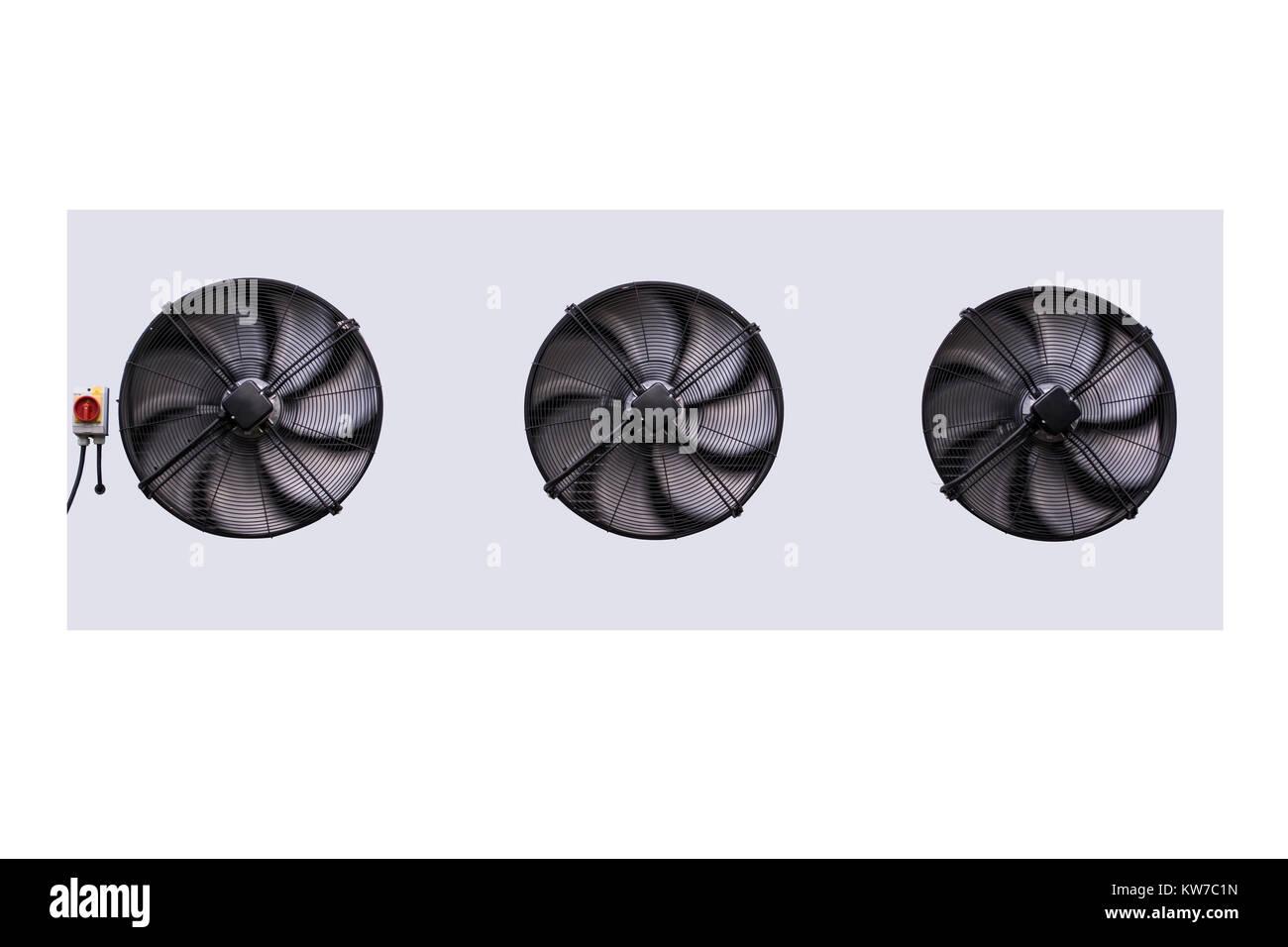 Drei Lüftung Klimaanlage Kompressor Ventilator isolieren auf weißem Hintergrund Stockbild