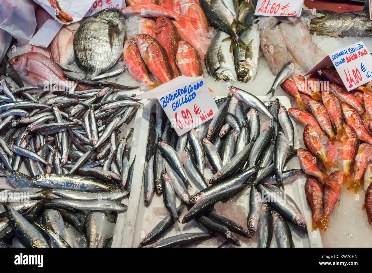 pos Fisch datiert Dinge zu wissen, wenn ein japanisches Mädchen datiert