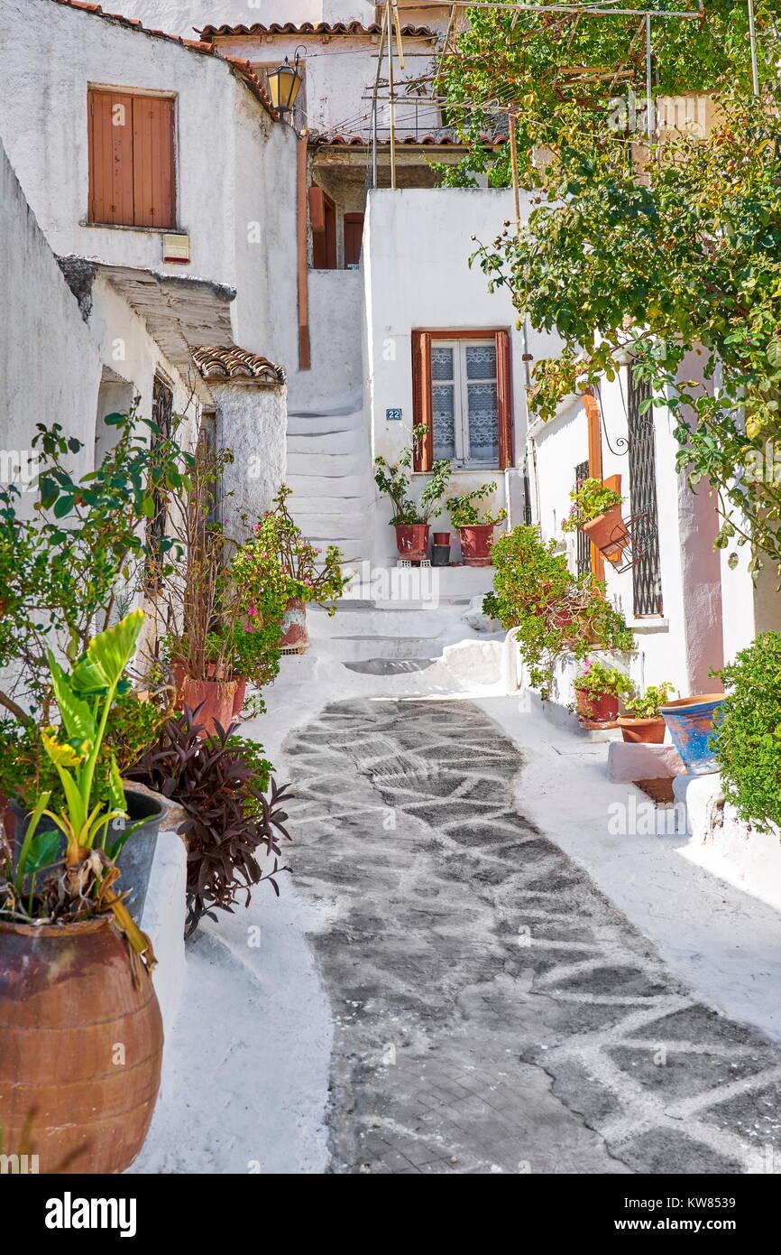 Die traditionellen weißen Häuser der Anafiotika Viertel unter der Akropolis, Athen, Griechenland Stockbild