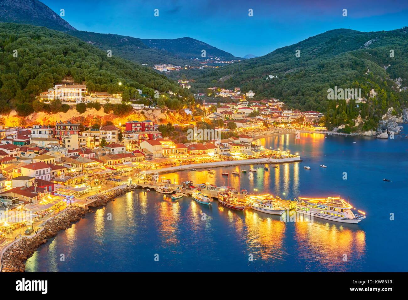 Am Abend Blick auf Parga, Griechenland Stockbild