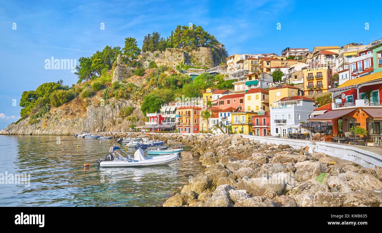 Bunte Häuser in Parga, Griechenland Stockbild