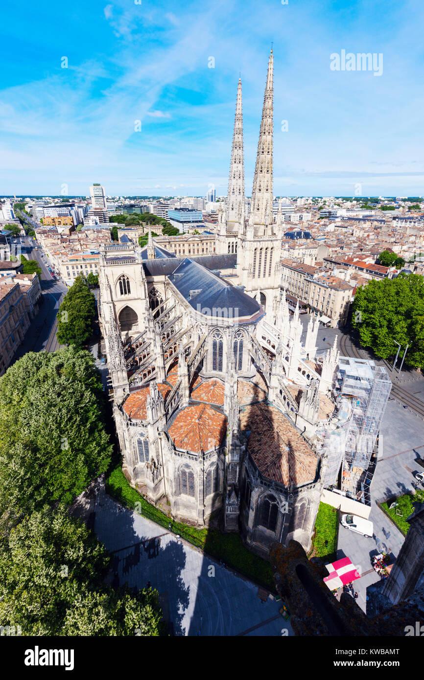Saint Andre Kathedrale auf Platz Pey-Berland in Bordeaux. Bordeaux, Nouvelle-Aquitaine, Frankreich. Stockbild