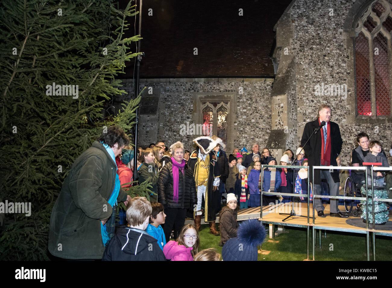 Wann Weihnachtsbeleuchtung.Piers Morgan Versuche Auf Dem Stockbridge Weihnachtsbeleuchtung Und
