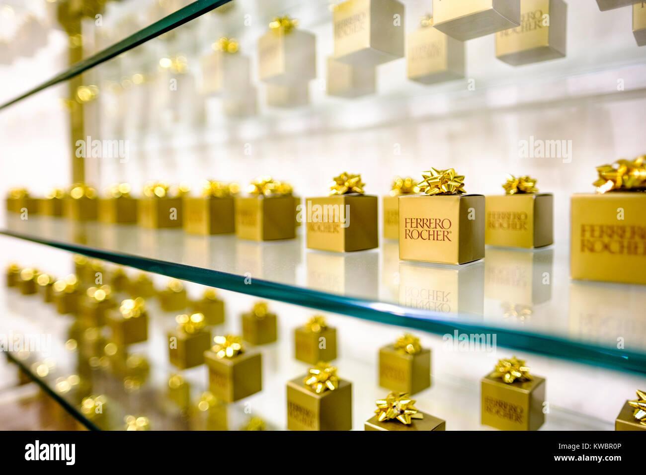 Regal Store anzeigen Geschenk verpackt Boxen von Ferrero Rocher ...