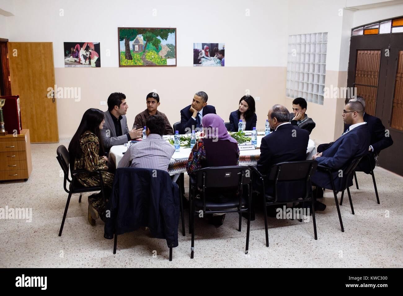 Präsident Obama trifft sich mit palästinensischen Jugendlichen in Ramallah im Westjordanland, 21. März Stockbild