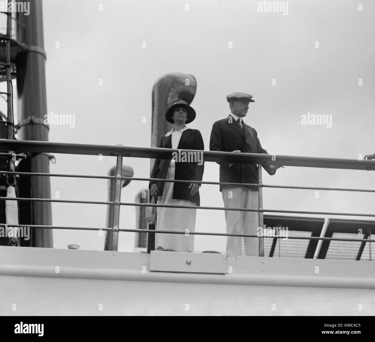 Präsident Calvin Coolidge und First Lady Grace auf die Presidential yacht, Mayflower. Sept. 8, 1923. Mayflower Stockbild