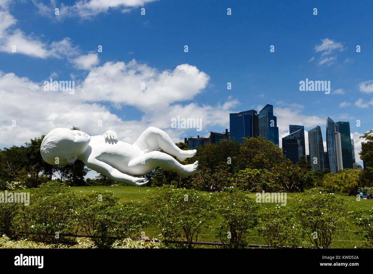 Gardens by the Bay, Baby Statue berechtigt Planeten durch britische Künstler Marc Quinn, Singapur Stockbild