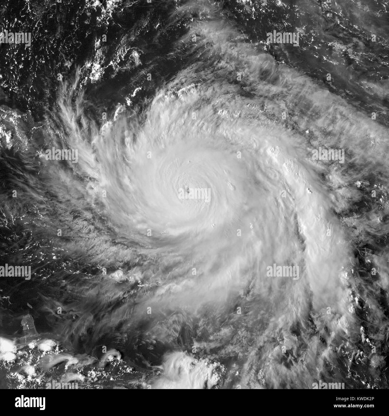 Satellitenbild von Hurrikan Maria in der Nähe von Peak Intensität nordwestlich von Dominica an Sept. 19, Stockbild