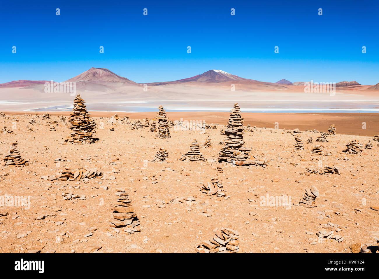 Schönheit See und Vulkane im Altiplano, Bolivien Stockbild