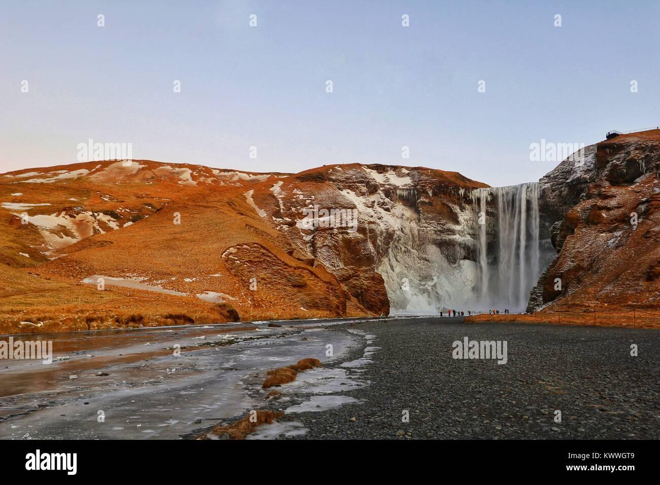 Wasserfall Skogafoss, South Island, Island, Europa Stockbild