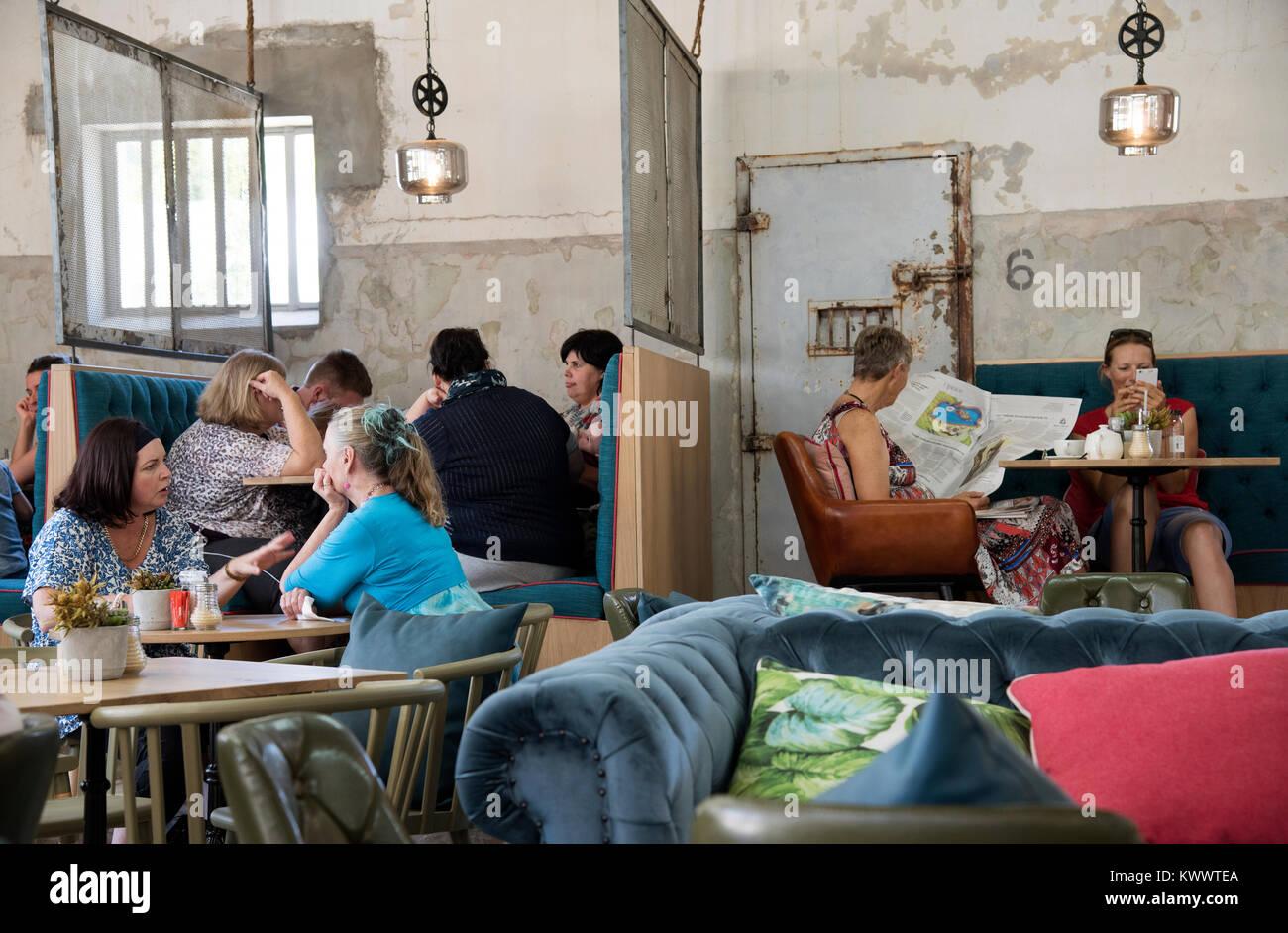 Paarl, Western Cape, Südafrika. Dezember 2017. In einem Restaurant im alten Gefängnis gelegen. Stockbild