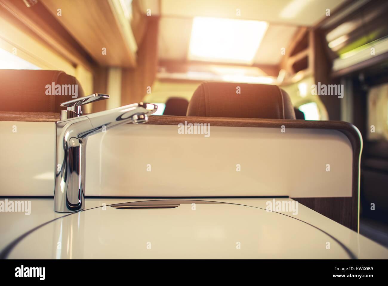 Rv Camper Wasserversorgung Foto Konzept Moderne Rv Motorcoach