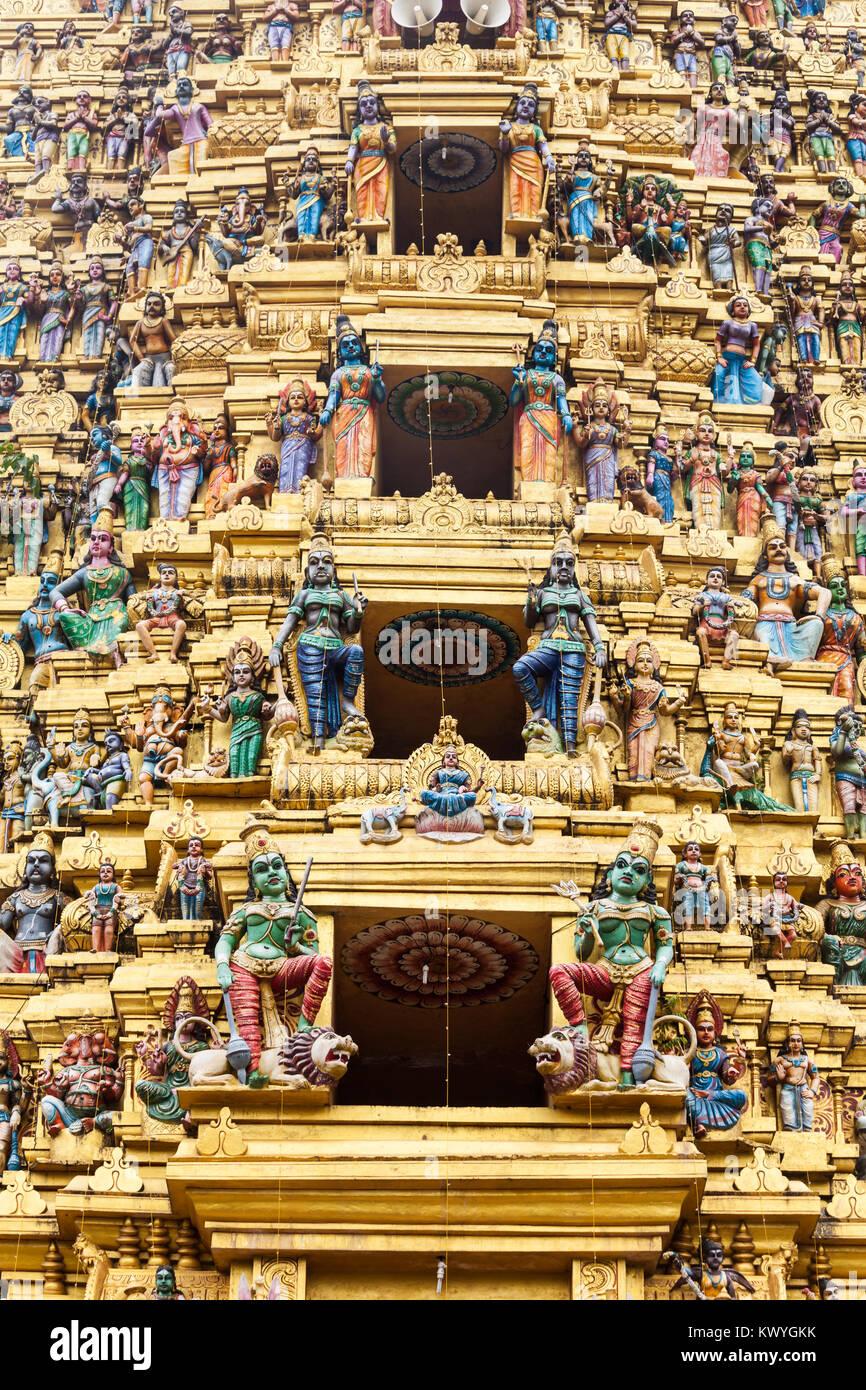 Muthumariamman Tempel Kovil relief Dekor. Muthumariamman ist ein ...