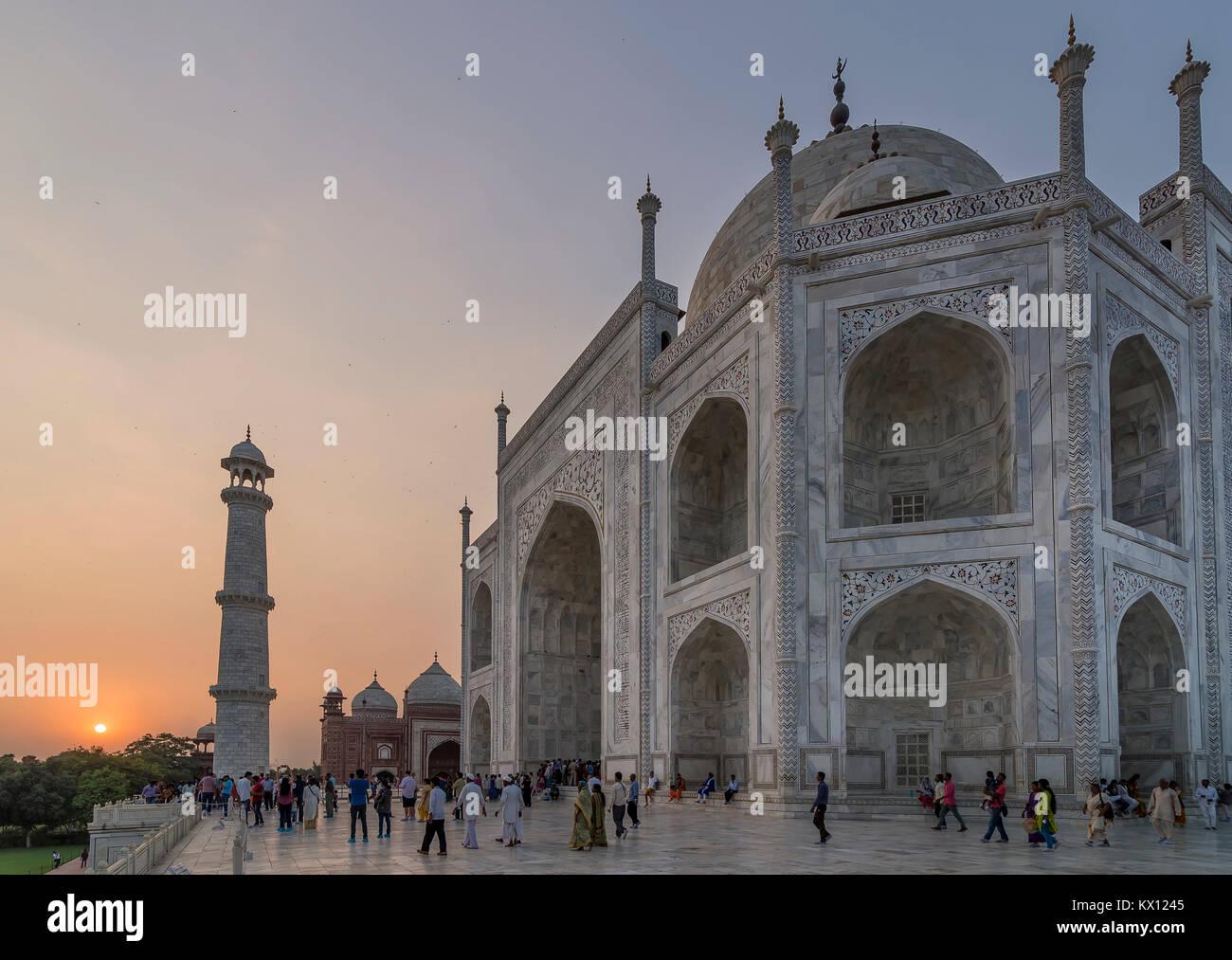 Taj Mahal in einem wunderschönen Sonnenuntergang Licht, Agra, Uttar Pradesh, Indien Stockbild