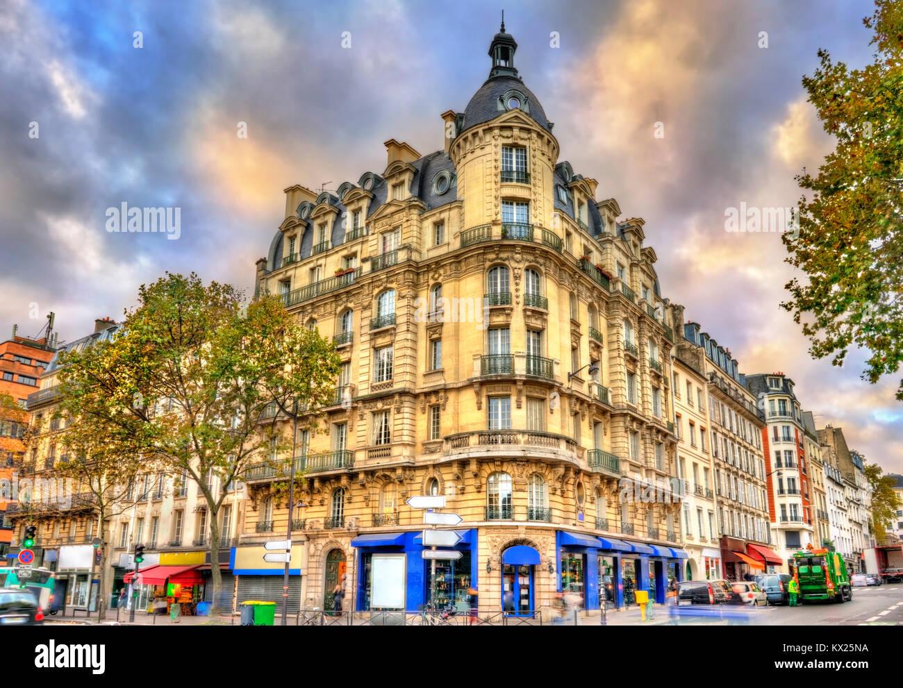 Typische Gebäude in Paris, Frankreich Stockbild