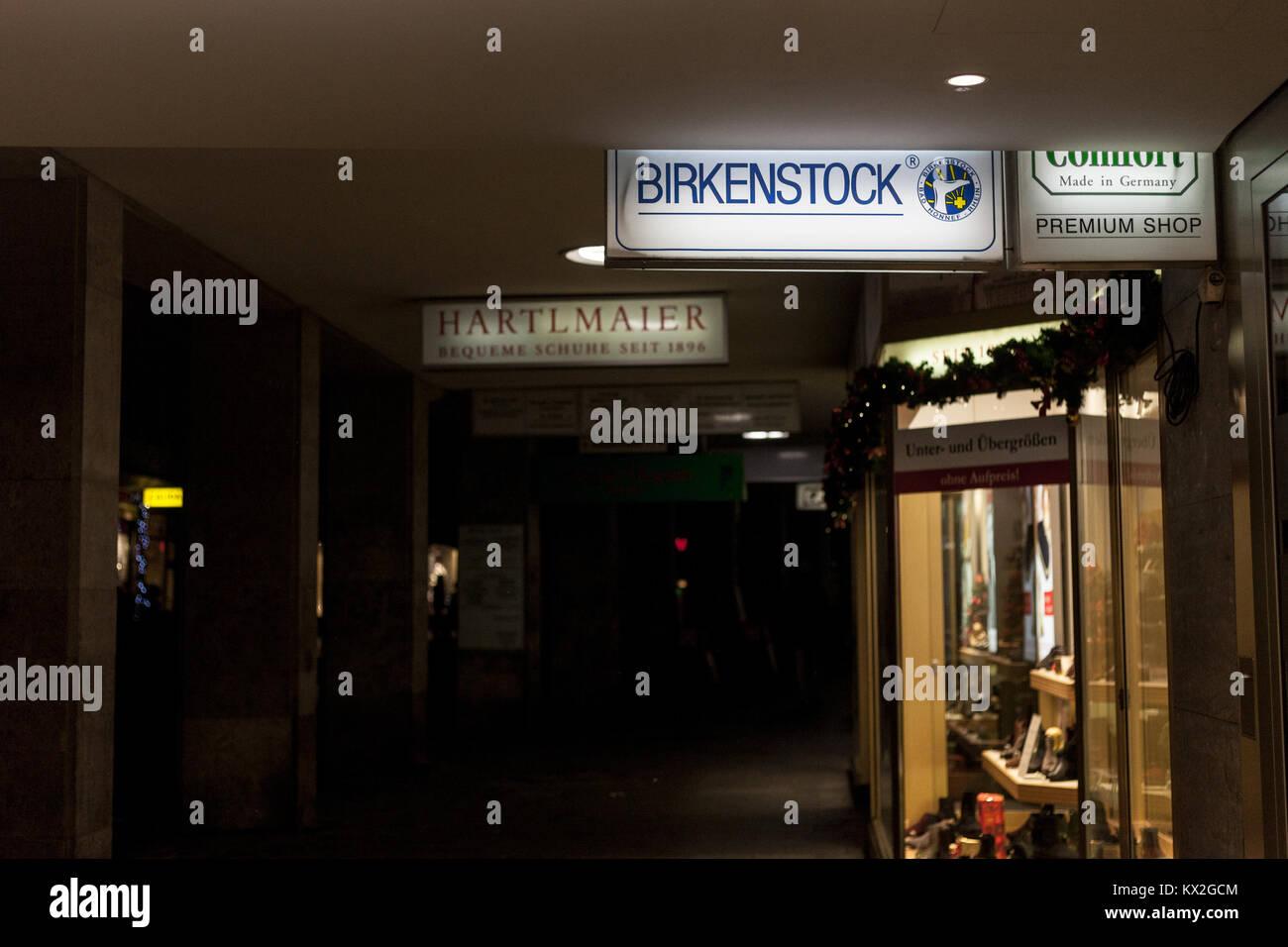 low priced 86379 79af6 Birkenstock Shop Store Stockfotos & Birkenstock Shop Store ...