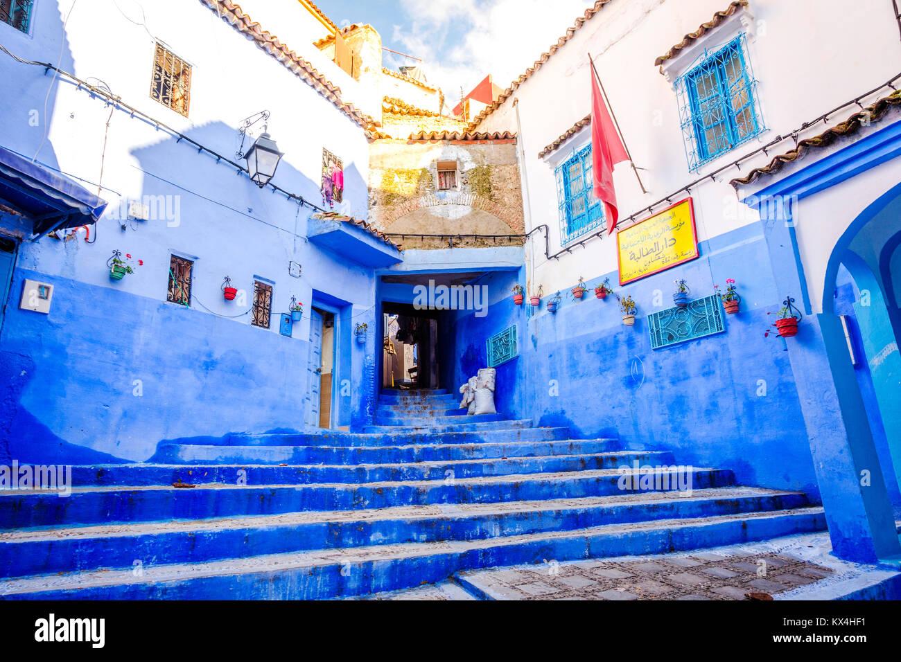Blau Treppen in Chefchaouen, berühmten blauen Stadt, Marokko Stockfoto