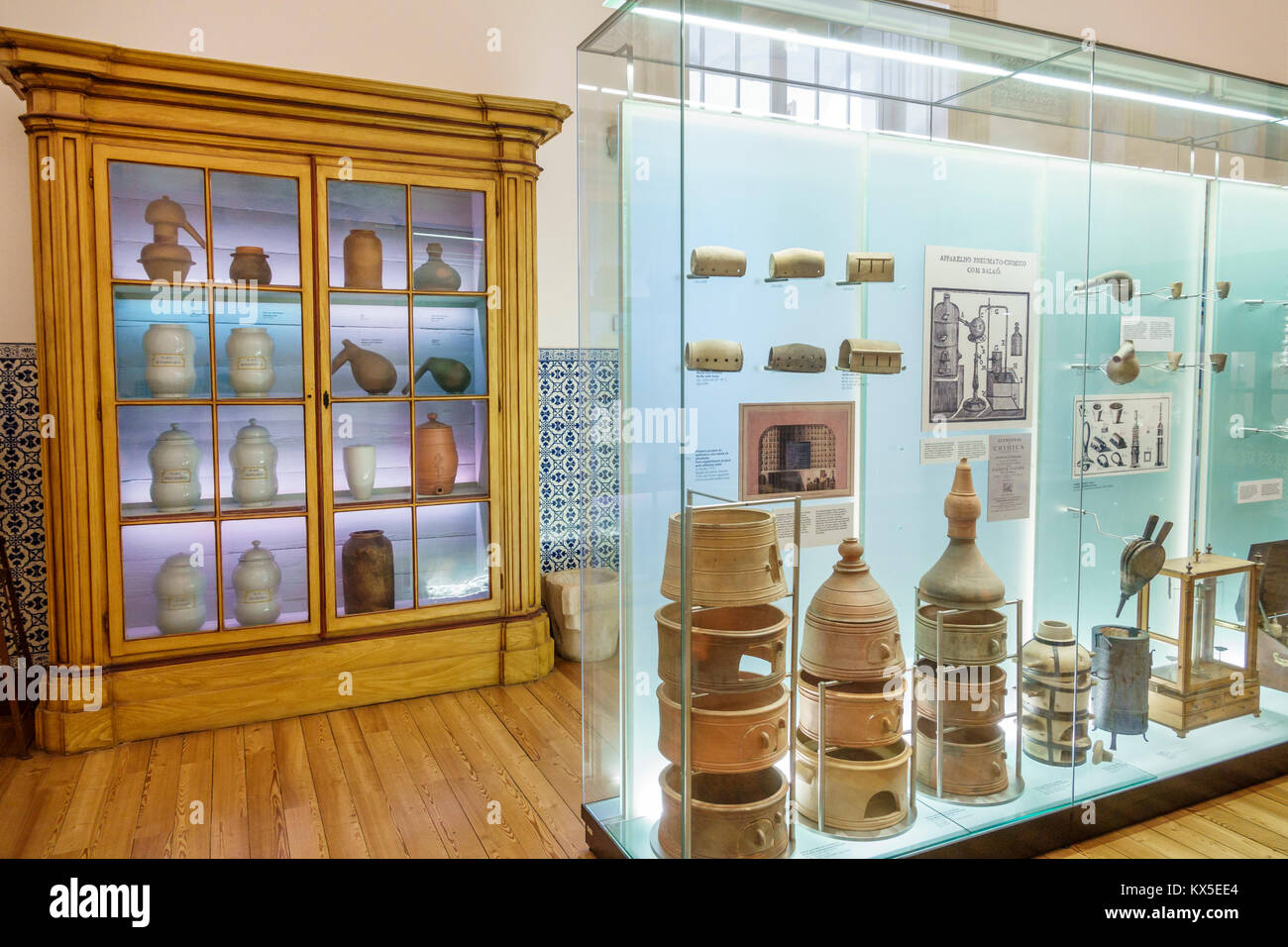 Universität Coimbra Coimbra Portugal Universidade de Coimbra Museu da Ciencia Science Museum Chemielabor wissenschaftliche Stockbild