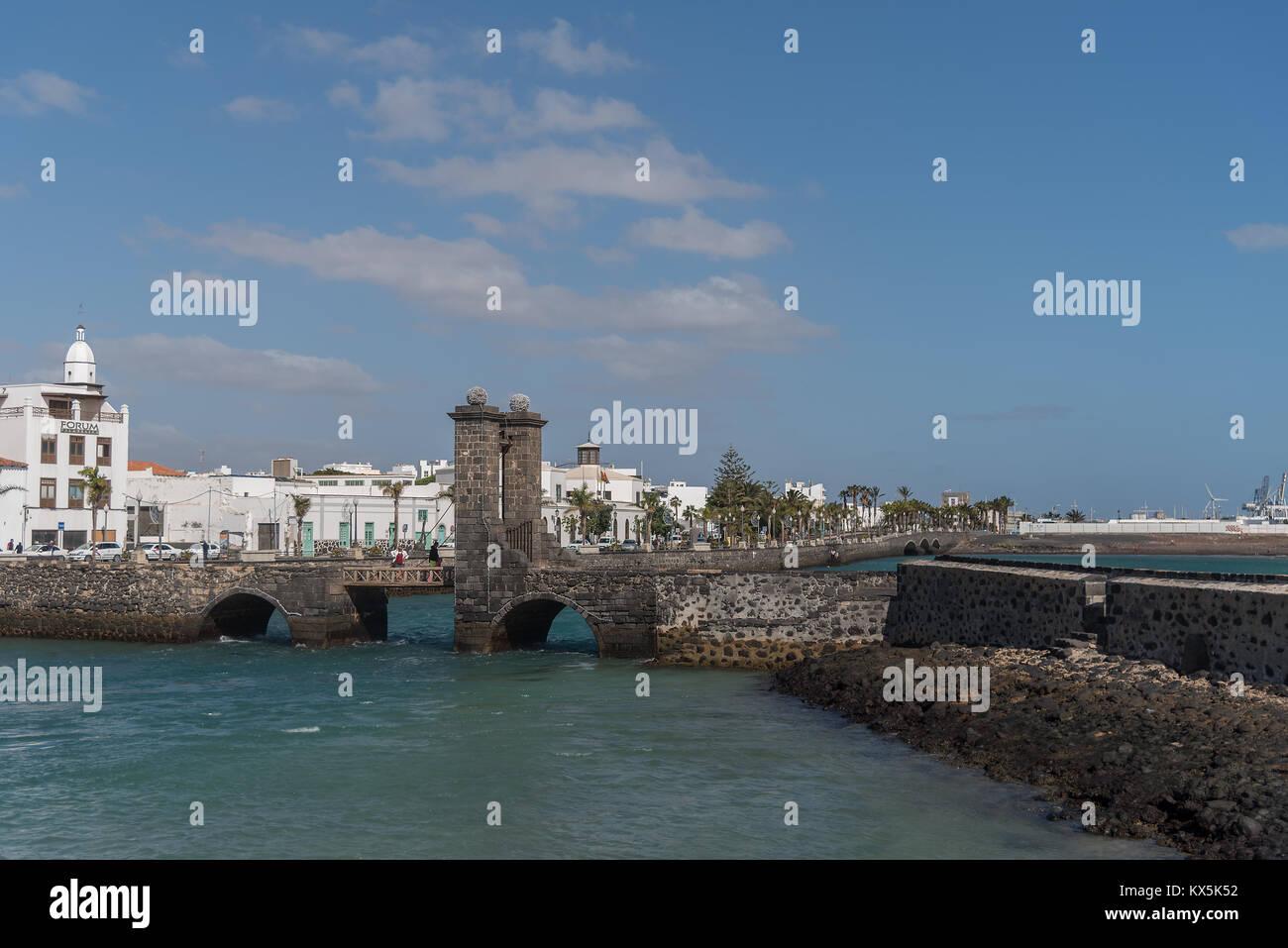 Zugbrücke Puente de las Bolas zur Festung San Gabriel Sterben in Arrecife auf Lanzarote Stockbild