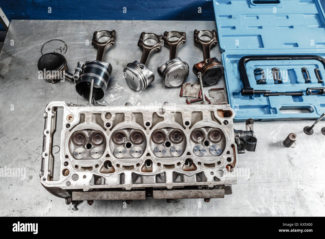 Pistons Crankshaft Stockfotos & Pistons Crankshaft Bilder - Alamy