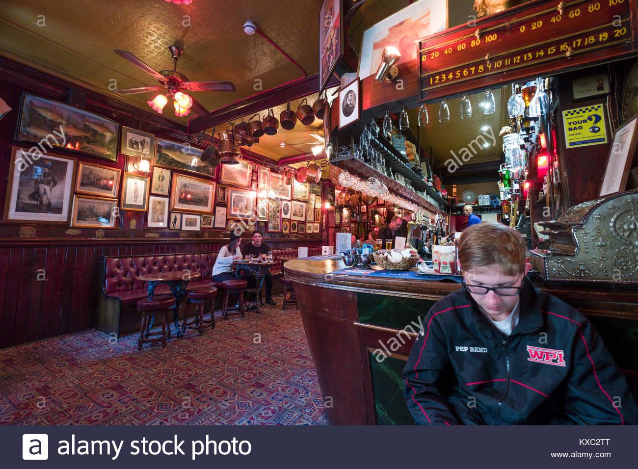 Schloss & Schlüssel Restaurant & Pub