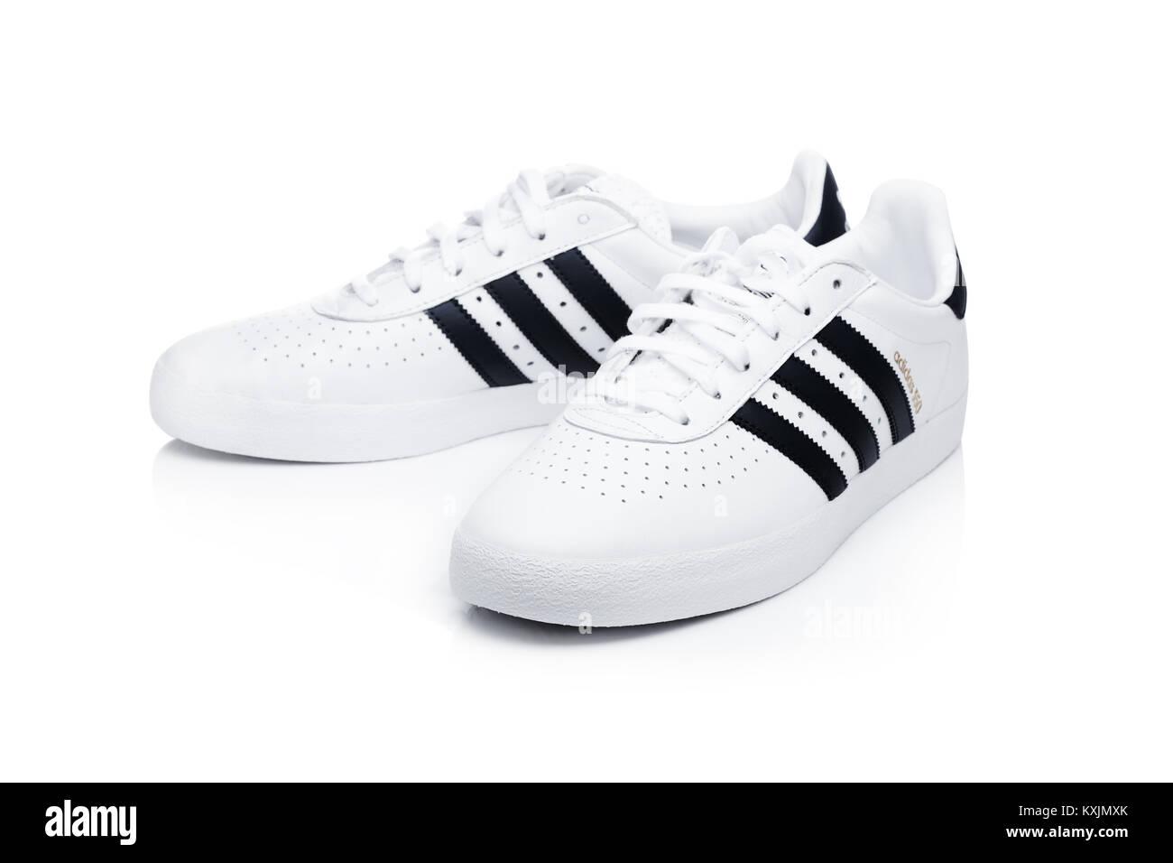 sports shoes 64799 5393d LONDON, Großbritannien - 02 Januar, 2018: Adidas Originals ...