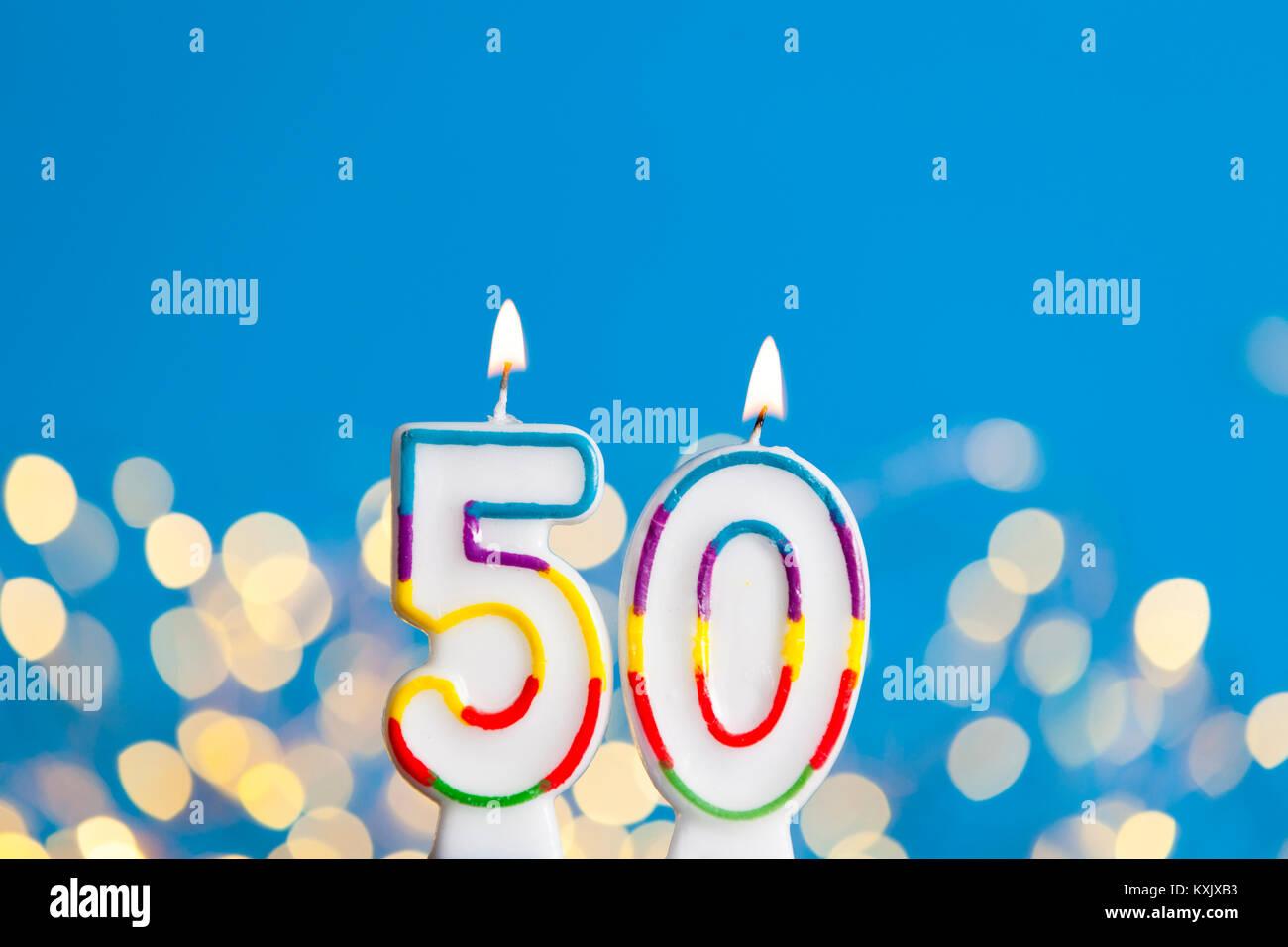 Nummer 50 Geburtstag Kerze Gegen Einen Hellen Lichtern Und Blauer