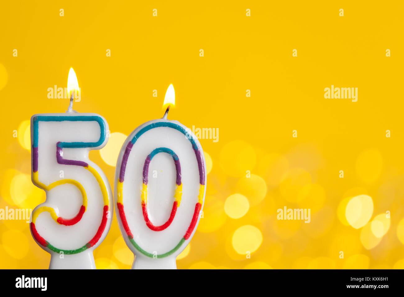 Nummer 50 Geburtstag Kerze Gegen Eine Helle Lichter Und Gelbem