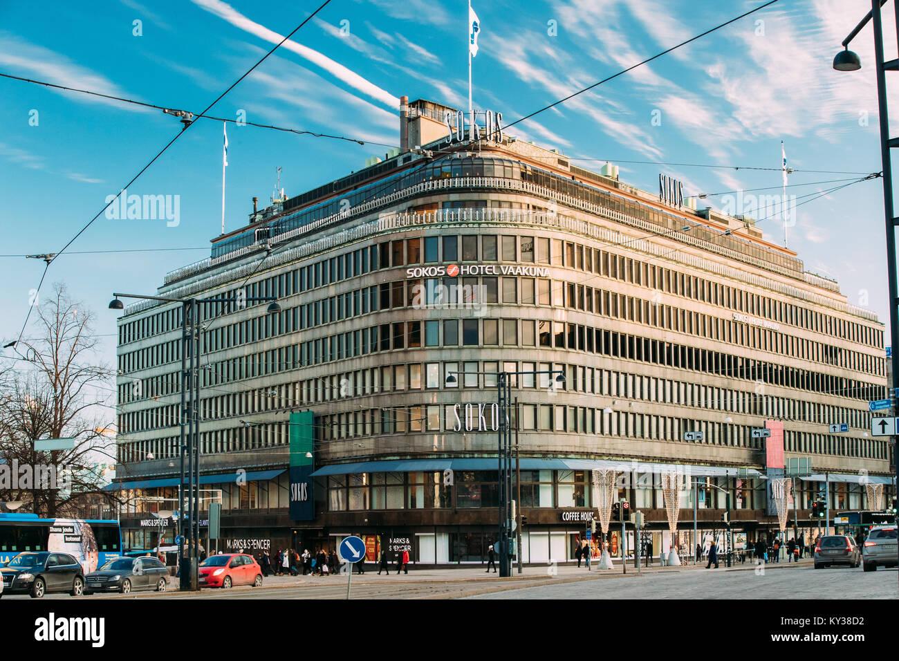 Helsinki, Finnland - 10. Dezember 2016: Ansicht des ursprünglichen Sokos Hotel im Winter sonniger Tag Stockbild