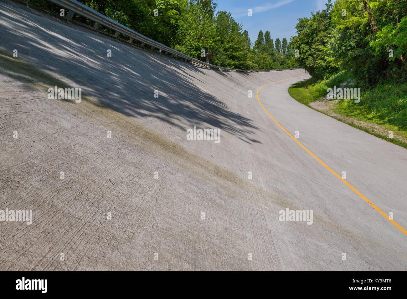 Die alte FI Rennstrecke Banking der Autodromo Nazionale, Monza, Italien Stockbild