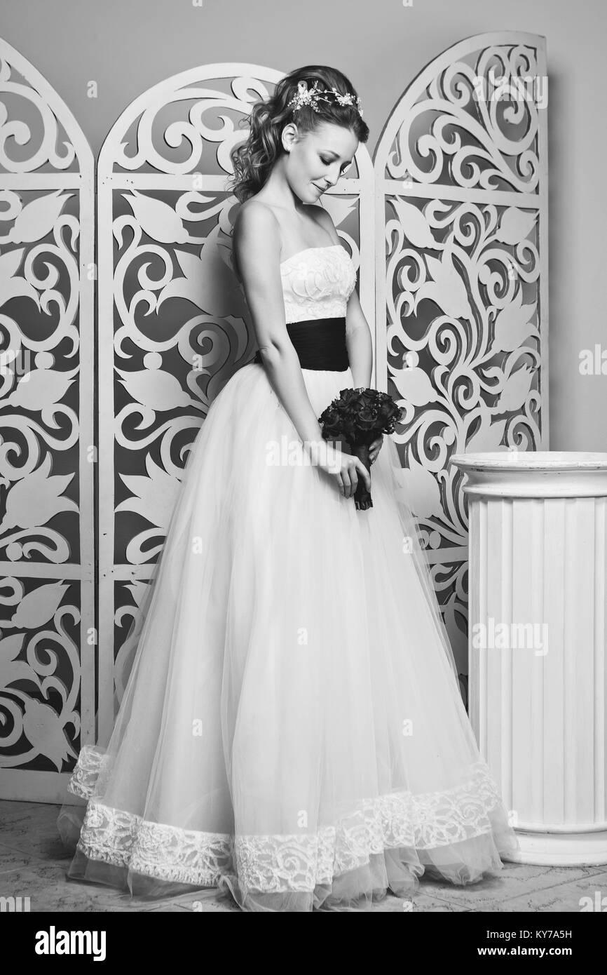 Fantastisch Weißen Brautkleider Zeitgenössisch - Brautkleider Ideen ...