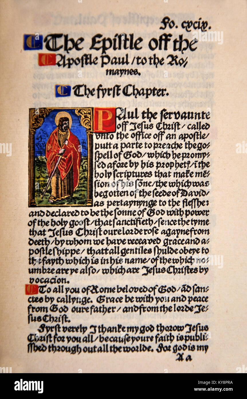 Titel Seite aus dem Buch der Römer in einem Faksimile von William Tyndale's 1525 Edition der englischen Stockbild