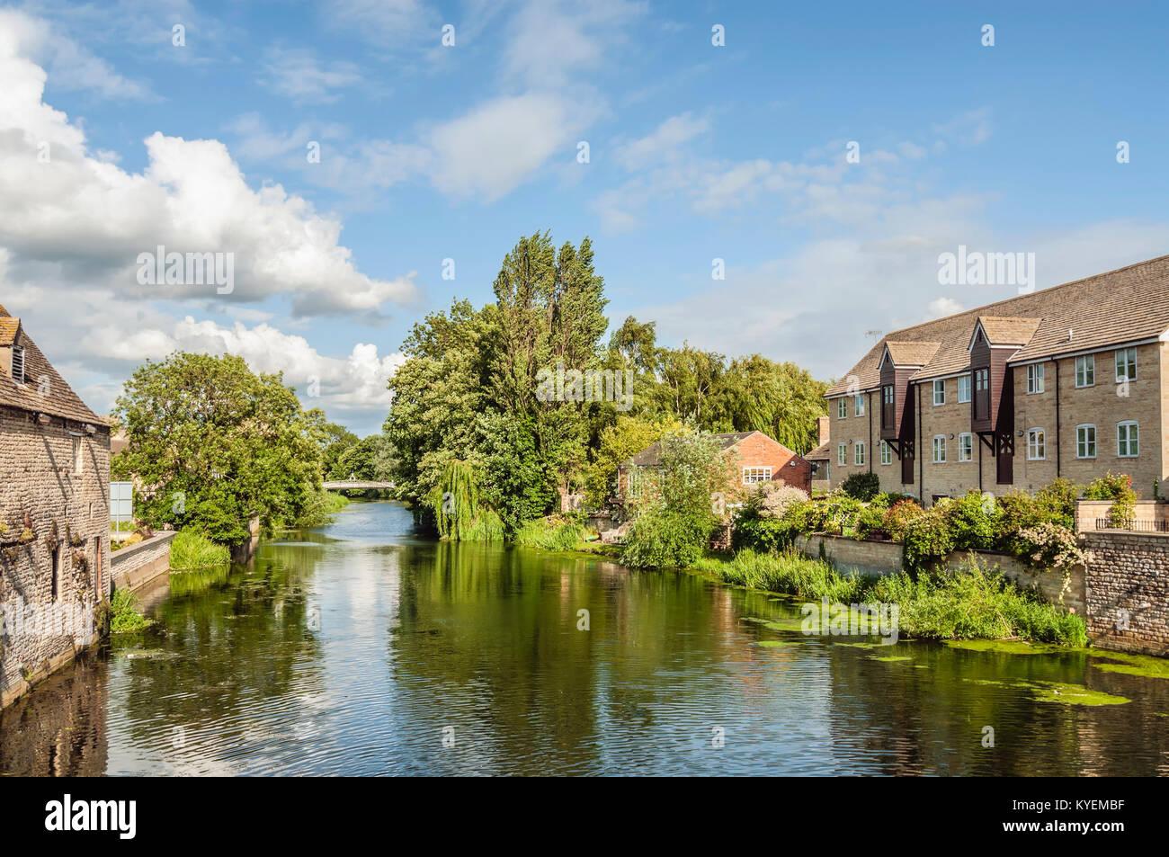 Stamford ist eine alte Stadt etwa 100 Meilen nördlich von London, das war die alte Great North Road, York und Stockbild