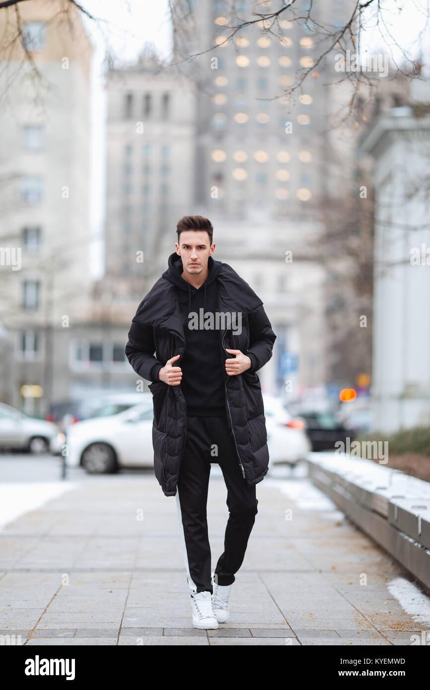 Mann Auf Outfit Stilvolle Wolk StraßeWinter Kalt Der lKJFcT1