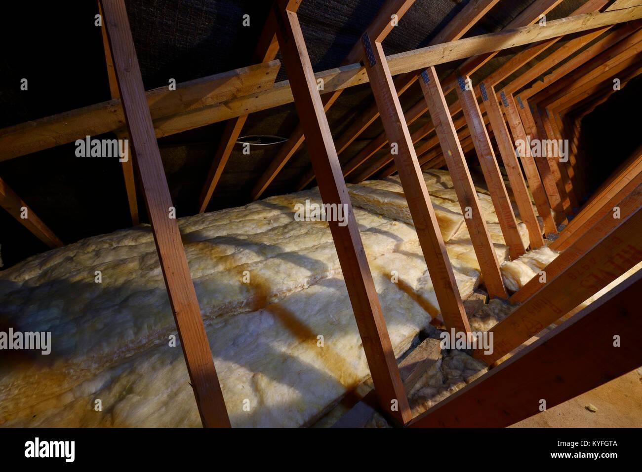 Innenraum Eines Inlandischen Dachboden Die Die Dachkonstruktion