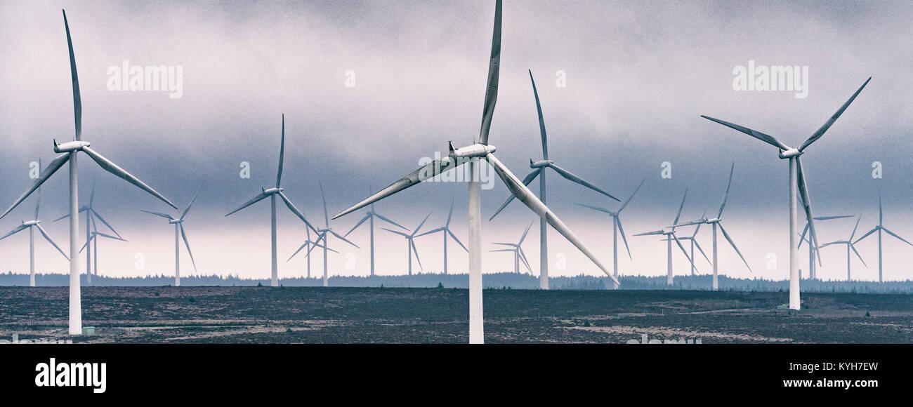 Anzeigen von Windenergieanlagen im Windpark Whitelee im East Renfrewshire von Scottish Power betrieben, Schottland, Stockbild